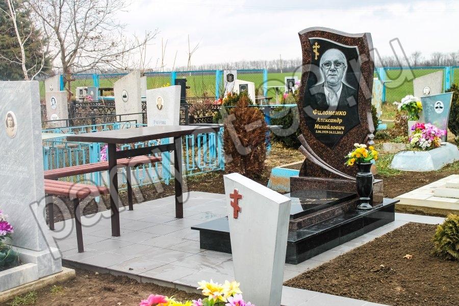 Памятник Роза из двух видов гранита Мещовск Эконом памятник Купола с профильной резкой Сухиничи